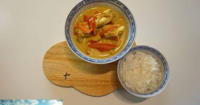 Recette : Poulet au curry et lait de coco