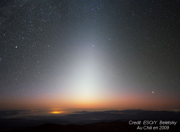 lumière zodiacale zodiacal light