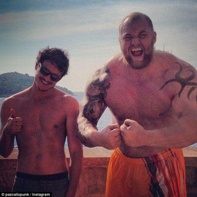 Prince Oberyn ( Pedro Pascal) et Gregor Clegane après la diffusion de l'épisode 8 Saison 4