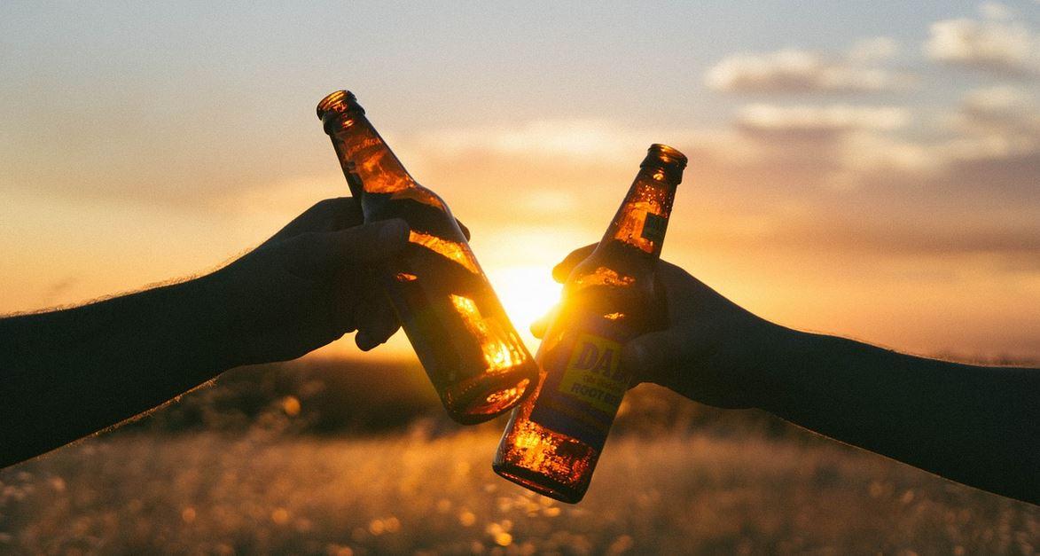 Dix verres d'alcool par semaine, un seuil critique pour la santé d'après une étude dans The Lancet